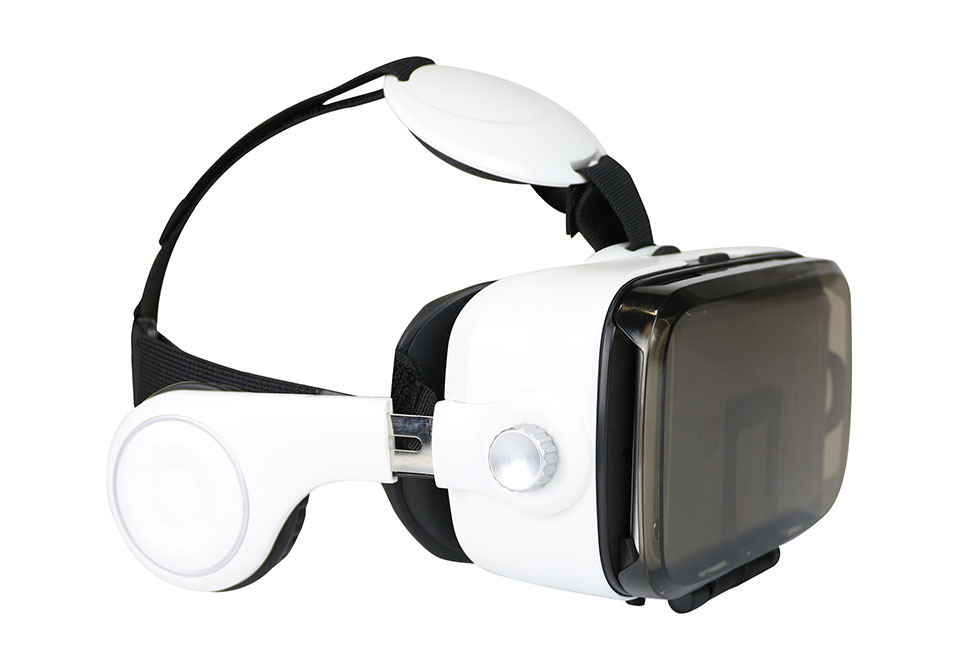 42605737118 Smartphone VR Headset with Earphones   Sharper Image